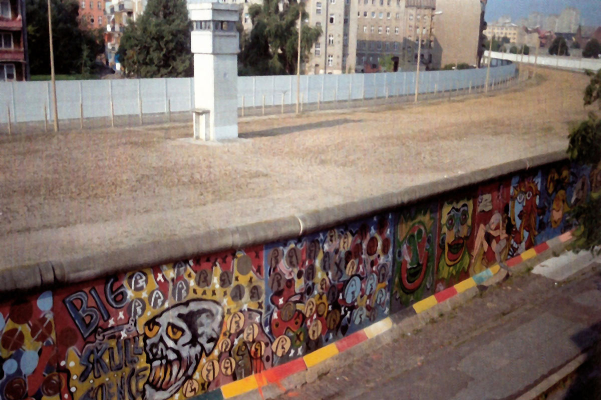 Thierry-Noir-Berlin-Wall-Pieces-8